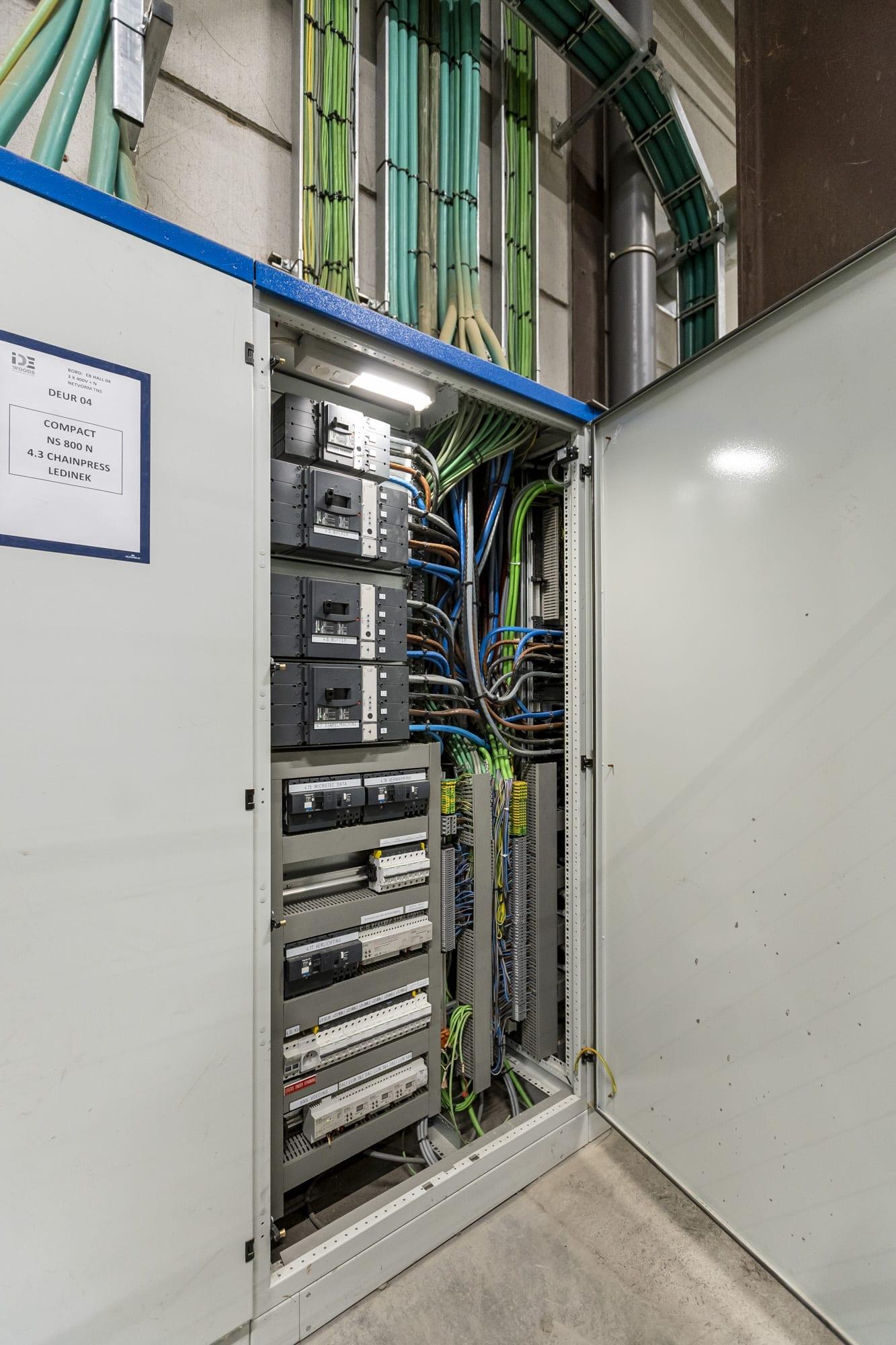 Algemene elektriciteitswerken en boordenbouw bij IDE Woods Spiere-Helkijn